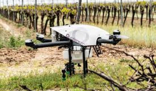 Quaternium HYBRiX 2.1 drone makes agricultural spraying work easier, faster